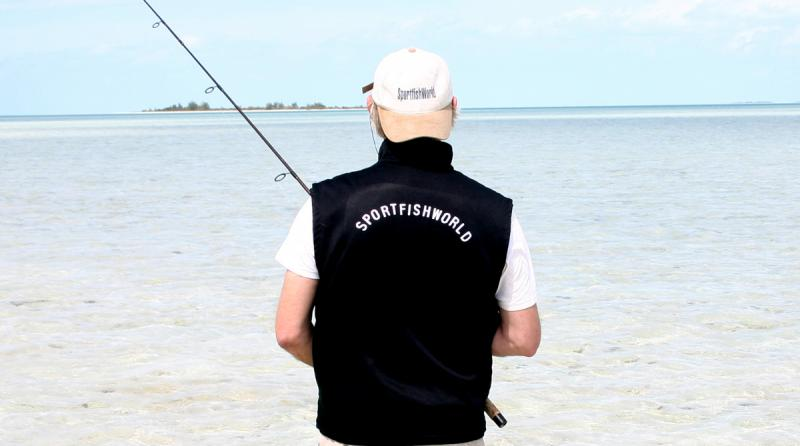WORLDWIDE SPORTFISHING PHOTOS, Bahamas,   Bonefish, SportfishWorld's © Bob Fisher scours the flats for Bonefish at one of the Cays near Andros Island in the Bahamas